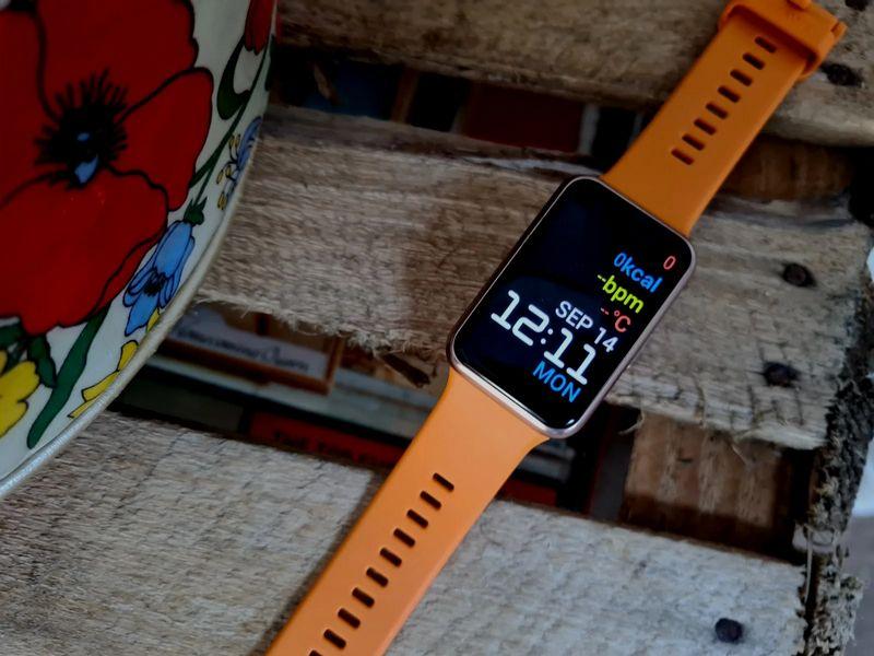 نگاهی خلاصه به بررسی ساعت هوشمند هواوی Watch FIT از دید سایت معتبر AndroidAuthority