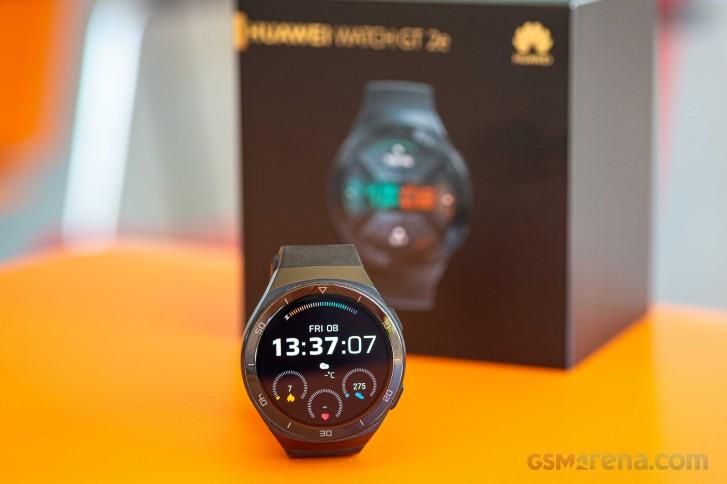 نگاهی به خلاصه بررسی ساعت هوشمند هواوی Watch GT2e از دیدگاه سایت معتبر GSMArena