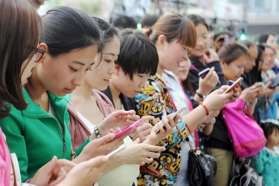 پیشتازی هواوی در بازار موبایل چین همچنان ادامه دارد