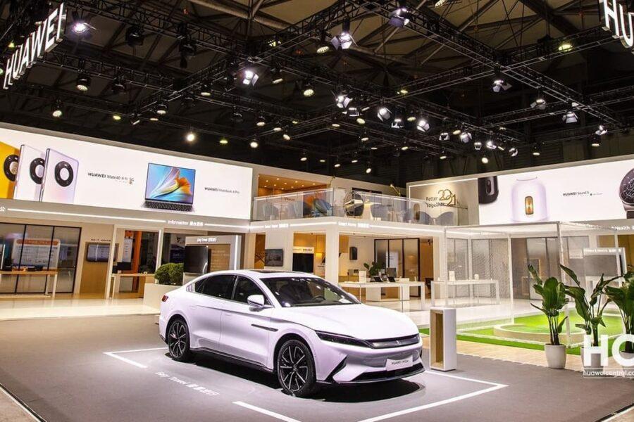منتظر خودروی برقی Alpha S Intelligent Luxury با سیستم هوشمند هواوی باشید