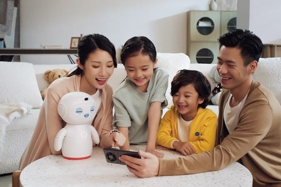 هواوی اولین ربات آموزشی خود را با نام Huawei Assistant Wizard معرفی کرد
